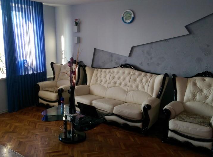 Apartament, 3 odai, 70 m2, Rascani, str. Florilor 16/2