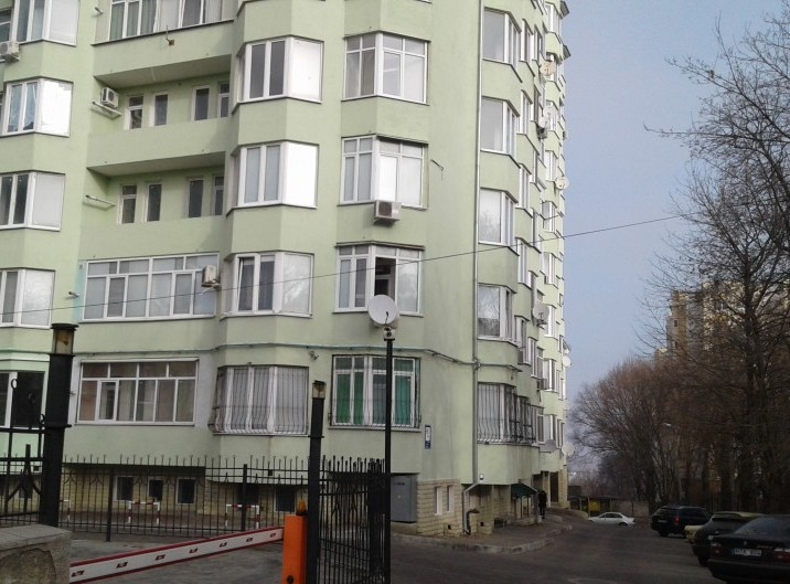 Apartament, 2 odai, 80 m2, Telecentru, str. M. Grecu 5