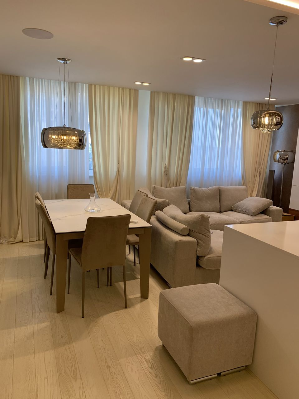Apartament cu 2 odai, Centru, Lazo