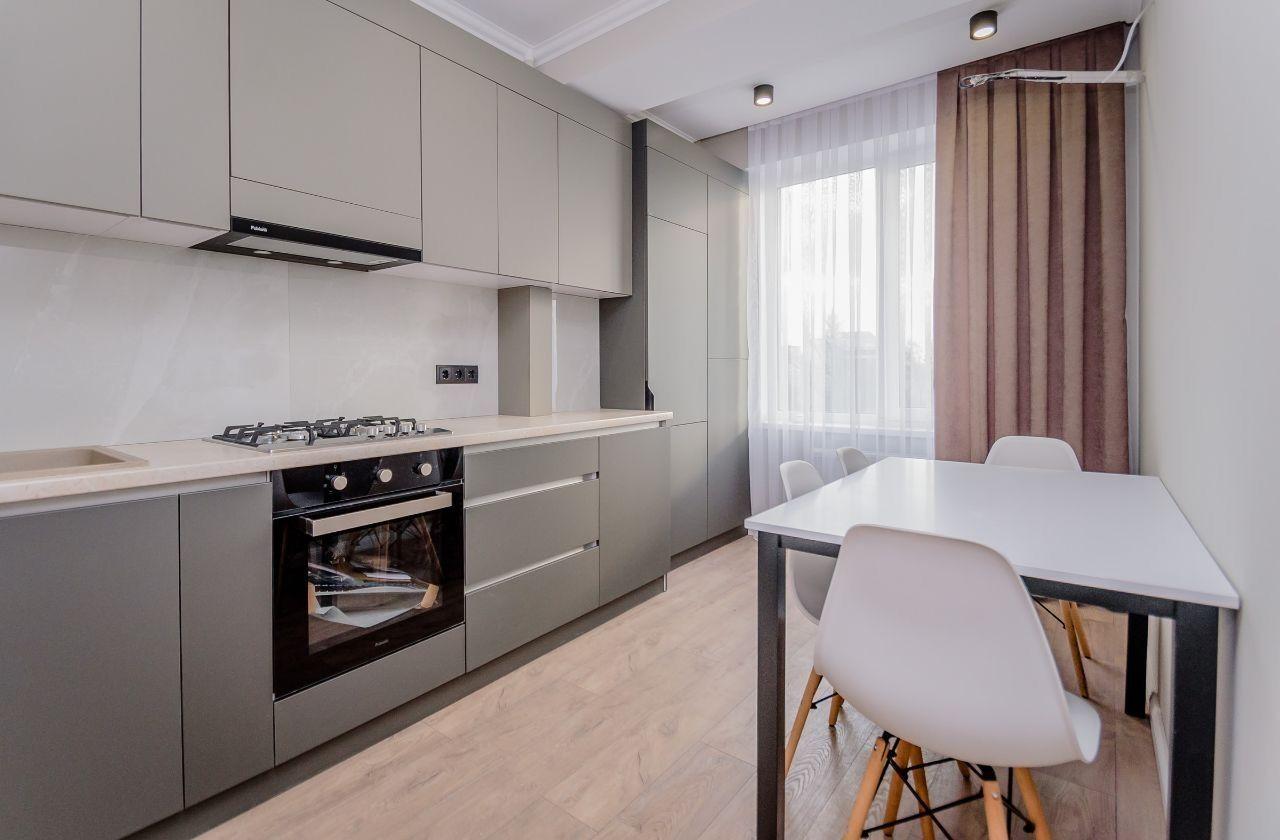 Se vinde apartament cu 2 camere separate