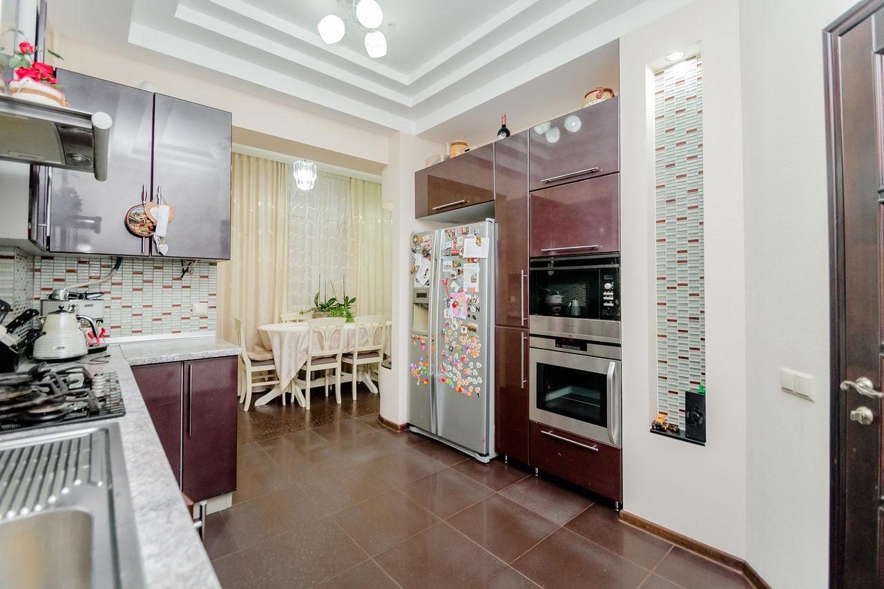 Apartament cu 3 camere separate, str.Valea Trandafirilor 24