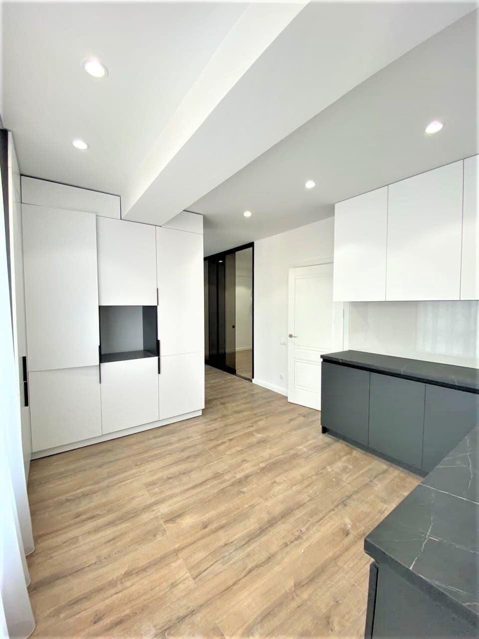 Apartament 1 camera + living, Centru